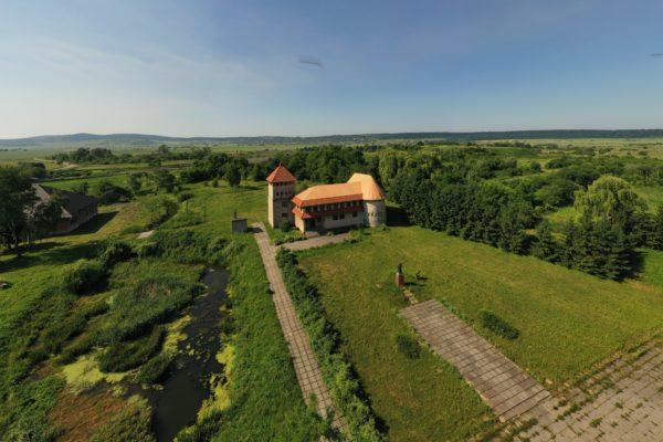 Центральна площа села Звенигород з музеєм, 2019 рік